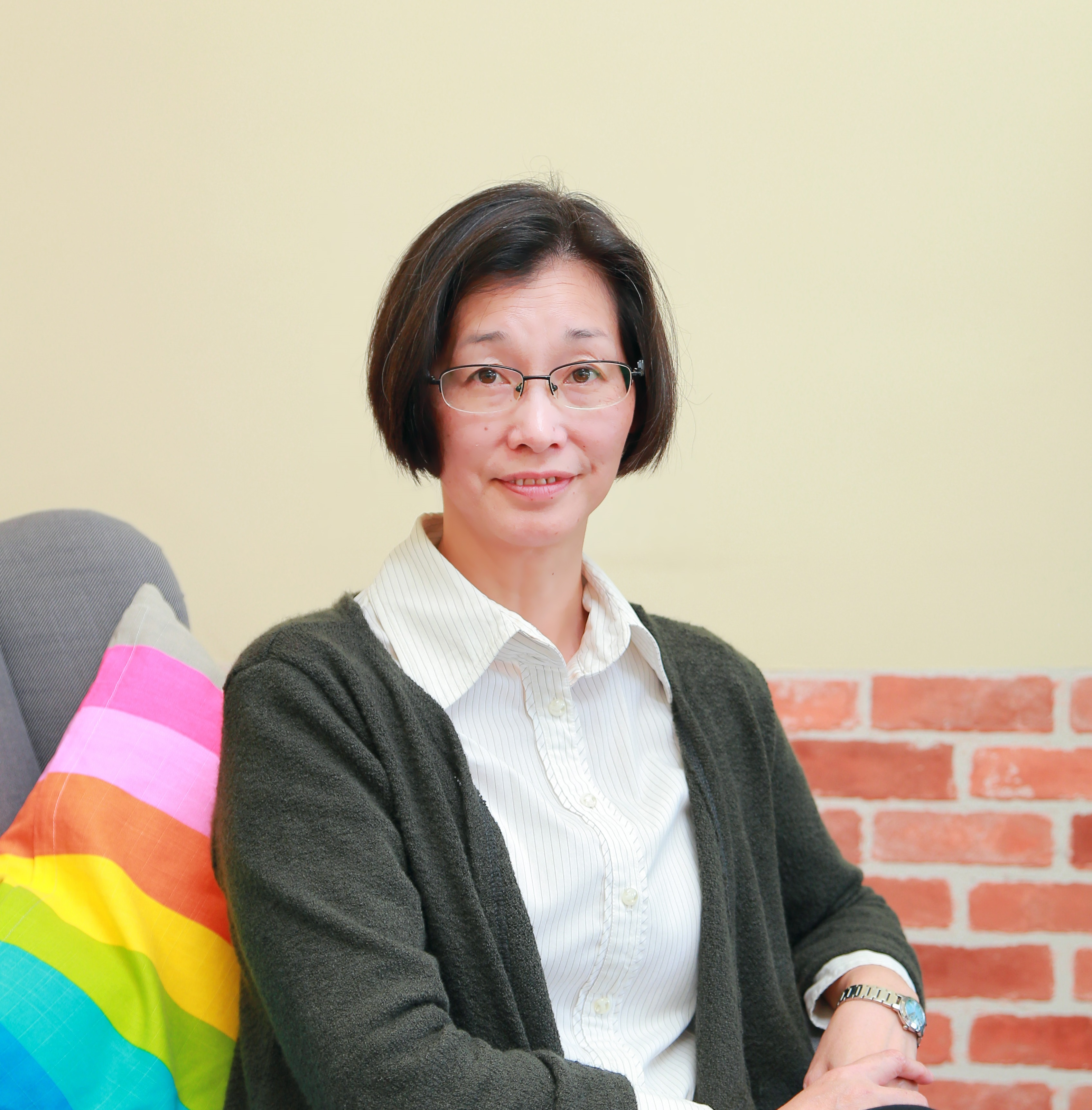 Narrative family therapy with students encountering school non-attendance problems by Yuk King Lau